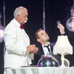 «Я могу»: Якубович накормил участника шоу лампочками