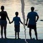 Как правильно сказать ребенку о разводе?